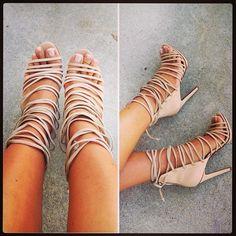 Love these heels☻so cute♥
