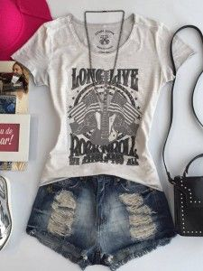 Short e t-shirt Shorts Outfits Women, Short Outfits, Cool Outfits, Casual Outfits, Unique Fashion, Daily Fashion, Teen Fashion, Fashion Outfits, Womens Fashion