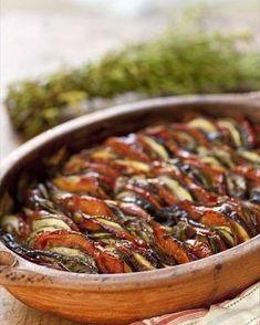 Tian Provencal, the recipe of the summer! Veggie Recipes, Diet Recipes, Vegetarian Recipes, Cooking Recipes, Healthy Recipes, Healthy Food, Sicilian Recipes, Sicilian Food, Recipe Please