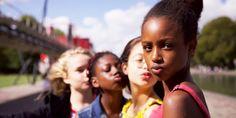 La réalisatrice Maïmouna Doucouré sort aujourd'hui en salle son premier long-métrage«Mignonnes». Un film émouvant mais aussi l'un des rares récits initiatiques sur la découverte des féminités porté au cinéma. French Directors, Get Netflix, Danger Girl, Netflix Releases, Dance Numbers, Fox News App, Diffusion, Grand Jury, Paris Match
