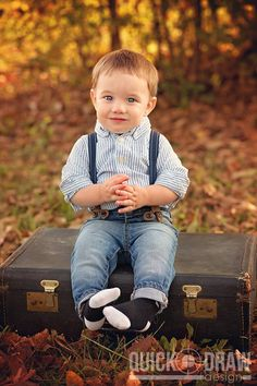 First Birthday Portrait Photography | Little Boy | Vintage | www.Quick-DrawDesign.com