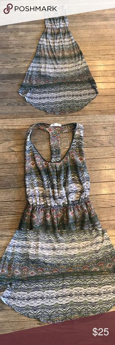 Staring at Stars Hi-Lo Dress Adorable dress that is great for spring time weather. Looks great with sandals. The perfect dress for date night or a walk down the beach. Has a T back and is in excellent condition. Only worn once and from a smoke free home. Urban Outfitters Dresses High Low