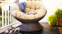 Outdoor Papasan Chair - Only thing missing is a book and a margarita.