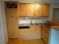 Stort eikekjøkken med hvitevarer til salgs - FINN Torget Kitchen Cabinets, Home Decor, Decoration Home, Room Decor, Cabinets, Home Interior Design, Dressers, Home Decoration, Kitchen Cupboards