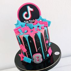 12th Birthday Cake, Twin Birthday Cakes, Formation Patisserie, Birthday Cake Pinterest, Cake Decorating Frosting, Mom Cake, Birthday Party For Teens, Novelty Cakes, Drip Cakes