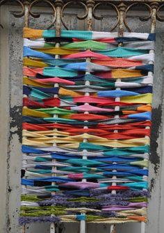 Yarn bombing à l'Ecole d'Art de Calais (Tag au tricot)