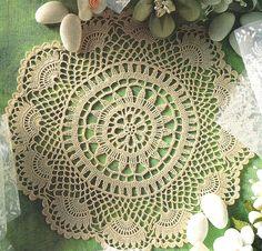 Este lindo modelo de guardanapo e para as amantes de crochê que adoram enfeitar a casa