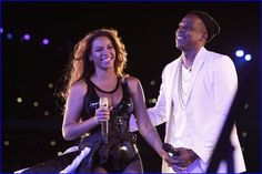 #Beyonce And #JayZ Go House Hunting In Paris, Rene...