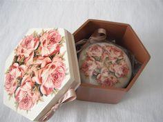 caixa com sabonete natura
