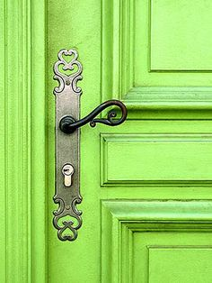 Beautiful Doors - i wanna lime green door :) Go Green, Green Colors, Bright Green, Pretty Green, Fresh Green, Bright Colors, Door Knobs And Knockers, The Doors, Front Doors