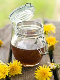 Syrop z mniszka lekarskiego - przepis na leczniczy syrop z kwiatów mniszka