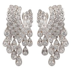 Van Cleef & Arpels 18k. white gold diamond earrings. Approx. 20cts. of diamonds. France, circa 1980s