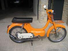 Mi hermano recuerda que antes de la variant se intentó que funcionara un Vespino Naranja de decimocuarta mano 50cc Moped, Childhood Toys, Tractor, Cars And Motorcycles, Motorbikes, Nostalgia, Retro, Vehicles, Pictures