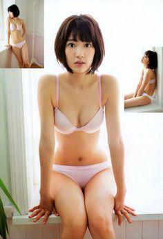 Sakura Miyawaki - Manga Action 09/2014