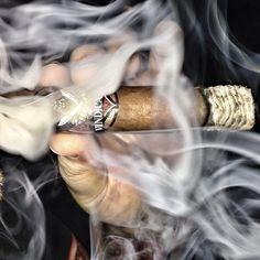 <~~ cigar