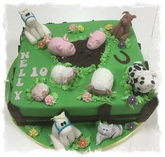 A Farmcake with all the animals who lives on Nellys farm.