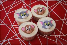 a classic in a cupcake... Tom & Jerry