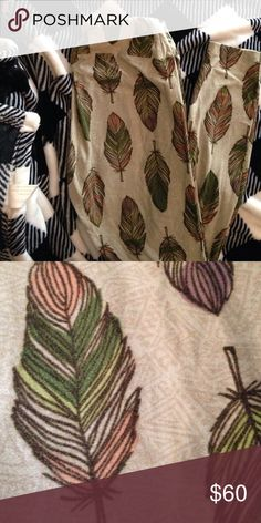 Lularoe OS leggings New One Size feather leggings. Gorgeous colors in the feathers. Perfect fall colors. LuLaRoe Pants Leggings