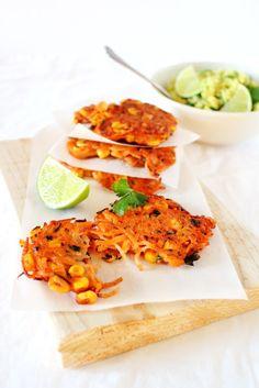 #Frittelle di patate e mais con #guacamole, un antipasto originale e stuzzicante di origine messicane che si prepara in pochi minuti.