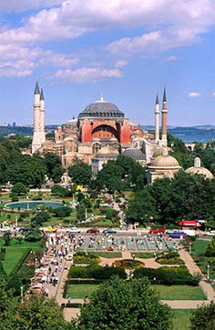 Hagia Sophia, Constantinople (Istanbull) – Turkey – Calmaz Saat – Join the world of pin The Places Youll Go, Places To See, Wonderful Places, Beautiful Places, Ankara, Hagia Sophia Istanbul, Empire Ottoman, Istanbul Travel, Turkey Travel