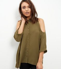 Discover New Look's collection of women's tops, including off the shoulder and lace tops, to crop tops and going out styles. Red Crop Top, Crop Tops, Burgundy Top, How To Roll Sleeves, Chic Dress, Red Blouses, Fall Wardrobe, Lace Tops, Shirt Sleeves