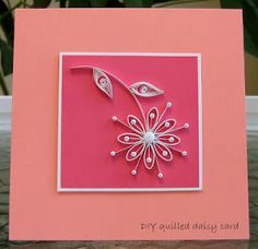 Simple Quilled Daisy Card: this gorgeous project is perfect for an upcoming birthday, Mother's Day, or really any occasion. The beautiful homemade greeting card features a beautiful quilled flower.