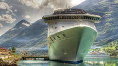 Presidente de Panamá insta a no retrasar las inversiones en puertos
