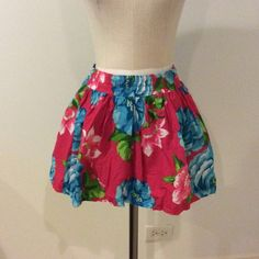 Hollister Skirt. Red with blue and green flowers.  Fully lined Hollister Skirts