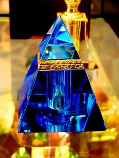 """Perfume Pyramid"" is a glass perfume bottle. ""Perfume Pyramid"" is a glass perfume bottle. Perfumes Vintage, Antique Perfume Bottles, Vintage Bottles, Blue Perfume, Chanel Perfume, Glas Art, Beautiful Perfume, Bottle Design, Glass Art"