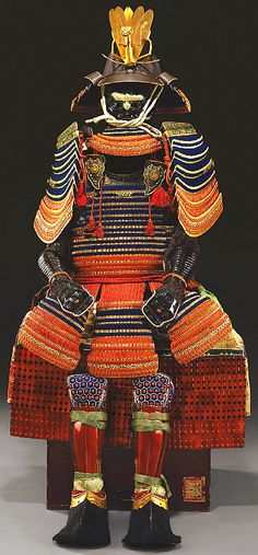 A 17th century suit of Japanese armor fetched a record $602,500 at a Christie's auction in New York, Oct 2009. The successful bid for the Edo Period hon kozane ni-mai do gusoku marked a new world auction record for Japanese armor. The armor, estimated at $250,000 to $300,000, was sold to the Minneapolis Institute of Arts. Samurai Weapons, Samurai Helmet, Samurai Armor, Arm Armor, Body Armor, Elmo, Chinese Armor, Battle Dress, Jenifer Lawrence