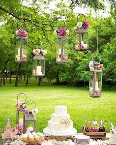 Mais uma inspiração de decoração para casamentos no campo! Tô apaixonada! . #noiva #bride #vestidodenoiva #dress #dresses #vintagewedding #diy #weddingdiy#doityourself #casamentodiy #noivadiy#bridediy #noiva2017 #ceub#casaréumbarato #voucasar#casamentodoano #noivafeliz #ido#instabride #picoftheday #bridesmaid#dreamwedding #bff #engaged #bridetobe #rustic #rusticwedding #casamentorústico