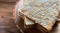 Sirupstynnkake   Norsk tradisjonsmat Chips, Bread, Snacks, Baking, Breakfast, Cake, Scandinavian, Food, Coffee