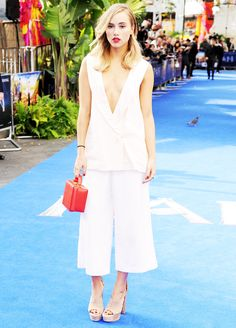 Suki Waterhouse's Unexpected Styling Trick via @WhoWhatWear