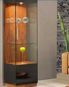 NavegaçãoOnde e como usarSaiba como incorporar esse item na decoração A origem das cristaleiras está em meados do século XVII, quando a Rainha Mary, da Inglaterra, decidiu expor sua paixão por cristais e porcelanas. Para isso, ela pediu que os artesãos fizessem um móvel que se tornou a cristaleira. A partir daí, o uso do …