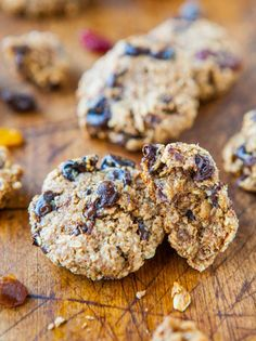 Healthy Oatmeal Chocolate Chip Miracle Cookies - (vegan, GF) - NO Butter, Oil, Eggs, Flour or Sugar! (and they still taste great)