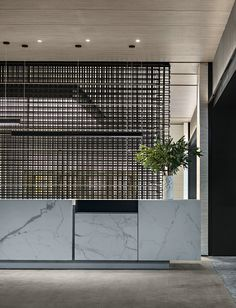 A Simple Atmospheric House-Tmacsky Hotel Reception Desk, Reception Desk Design, Lobby Reception, Reception Counter, Office Interior Design, Office Interiors, Lobby Interior, Hotel Lobby Design, Public Hotel