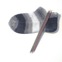 Knitting Socks, Mittens, Slippers, Pattern, Sneakers, Socks, Knit Socks, Fingerless Mitts, Tennis