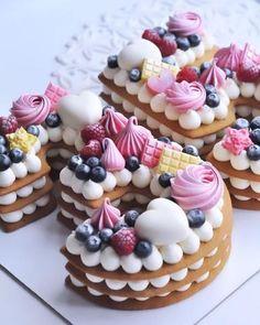 Recipe number cake easy to make - Amourducake Number Birthday Cakes, Number Cakes, Mini Cakes, Cupcake Cakes, Easy Baking Recipes, Cake Recipes, Icing Recipe, Dough Recipe, Fancy Desserts