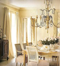 """Cote de Texas Top Ten Designer is none other than Ms. Gerrie Bremermann, the Grande Dame of the """"new"""" New Orleans style and arguably. Decor, Elegant Dining Room, Elegant Dining, Provence Style, Dining Room Inspiration, Interior, Dining Room Decor, Room, Dining Room"""