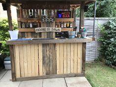 Super Backyard Bar And Grill Man Cave 36 Ideas Outdoor Garden Bar, Outdoor Tiki Bar, Outdoor Pallet Bar, Backyard Bar, Outdoor Bars, Backyard Kitchen, Outdoor Ideas, Pool Bar, Deck Bar