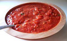 Receta de salsa de arrabiata picante: Una salsa para pasta sencilla, picosa y con un sabor delicioso.Puedes agregarle un poco de albahaca a la salsa para darle un sabor especial.Se puede preparar con anticipacion y refrijerarla.
