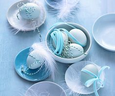 Turquoise Easter eggs with Ribbon and feather Diy Ostern, Easter Holidays, Happy Holidays, Easter Celebration, Duck Egg Blue, Easter Crafts, Easter Decor, Easter Ideas, Decoration Table