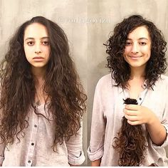Este posibil ca imaginea să conţină: 2 persoane Curly Hair Tips, Short Curly Hair, Hair Dos, Wavy Hair, Short Hair Cuts, Curly Hair Styles, Medium Curly Haircuts, Medium Hair Cuts, Kahleesi Hair