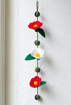 Camellia flower is a traditional motif of hanging decoration, but cut … – Garden Ideas Foam Crafts, Fabric Crafts, Sewing Crafts, Diy And Crafts, Crafts For Kids, Arts And Crafts, Paper Crafts, Felt Flowers, Paper Flowers