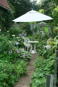 the most gorgeous garden..i want to pin everything..and then live in my pinterest garden!!