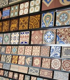 Victorian and Patterned Floor tiles in Edinburgh. Victorian Hallway Tiles, Victorian Fireplace Tiles, Victorian Porch, Tiled Hallway, Edwardian Hallway, Victorian Front Garden, Hall Flooring, Porch Flooring, Floor Patterns