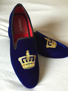 Men DAVUCCI handmade velvet slippers loafers With Crown