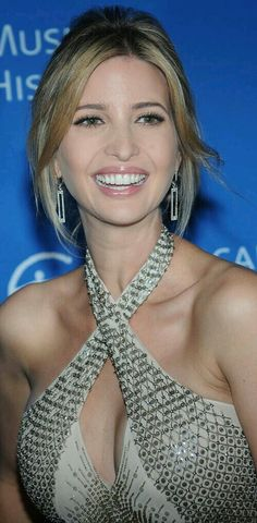 This curated image gallery will showcase some of the sexiest Ivanka Trump bikini pictures that will make you fall in love with her. Ivanka Marie Trump, Ivanka Trump Photos, Ivanka Trump Style, Beautiful Celebrities, Gorgeous Women, Lysandre Nadeau, Trump Is My President, First Lady Melania Trump, Bikini Pictures