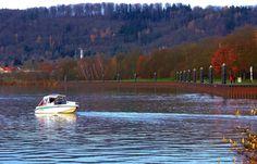 """Kennen Sie den SBF Binnen? ... Nun das ist der amtliche Sportbootführerschein zum Führen eines Sportbootes auf Bundeswasserstraßen im Geltungsbereich der Binnenschifffahrtsstraßen-Ordnung. In Merzig kann man den auch in einen einwöchigen Ferien-Crashkurs machen. Ahoi,  <a href=""""http://de.wikipedia.org/w…/Sportbootf%C3%BChrerschein_Binnen"""">http://de.wikipedia.org/w…/Sportbootf%C3%BChrerschein_Binnen</a>"""