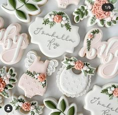 Simple Baby Shower, Baby Shower Brunch, Floral Baby Shower, Baby Shower Parties, Baby Girl Cookies, Onesie Cookies, Baby Shower Cookies, Baptism Cookies, Fancy Cookies